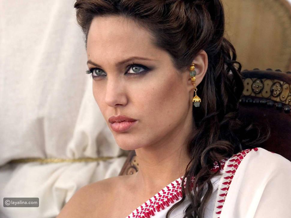 إنجلينا جولي المرأة الأجمل في العالم، كيف تضع مكياجها الجذاب؟