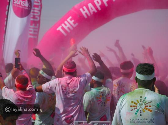 صور: للمرة الثانية..السعودية تنظم سباقًا للألوان بمشاركة 20 ألف متسابق